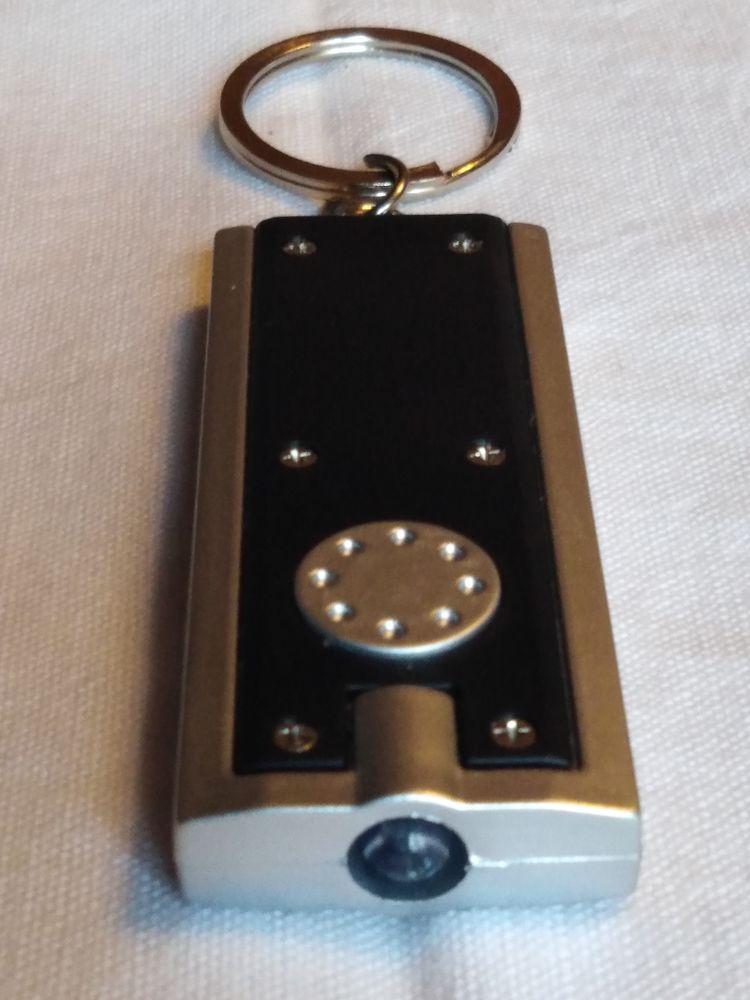 Porte clefs lampe  4 Avermes (03)