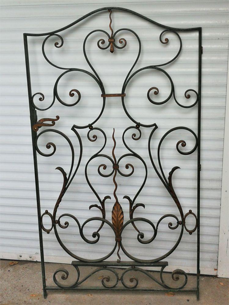 Porte décorative en métal style Arts Déco. 350 Colombes (92)