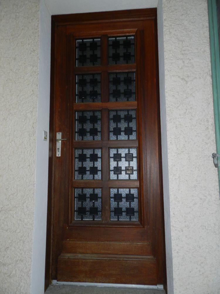 portes de garage occasion annonces achat et vente de portes de garage paruvendu mondebarras. Black Bedroom Furniture Sets. Home Design Ideas