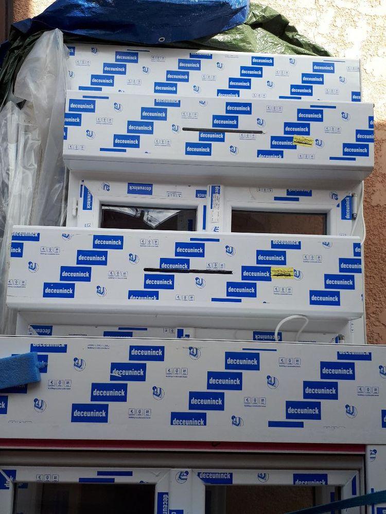 Porte-Fenêtre neuve PVC blanc volet roulant double vitrage 700 Colombes (92)