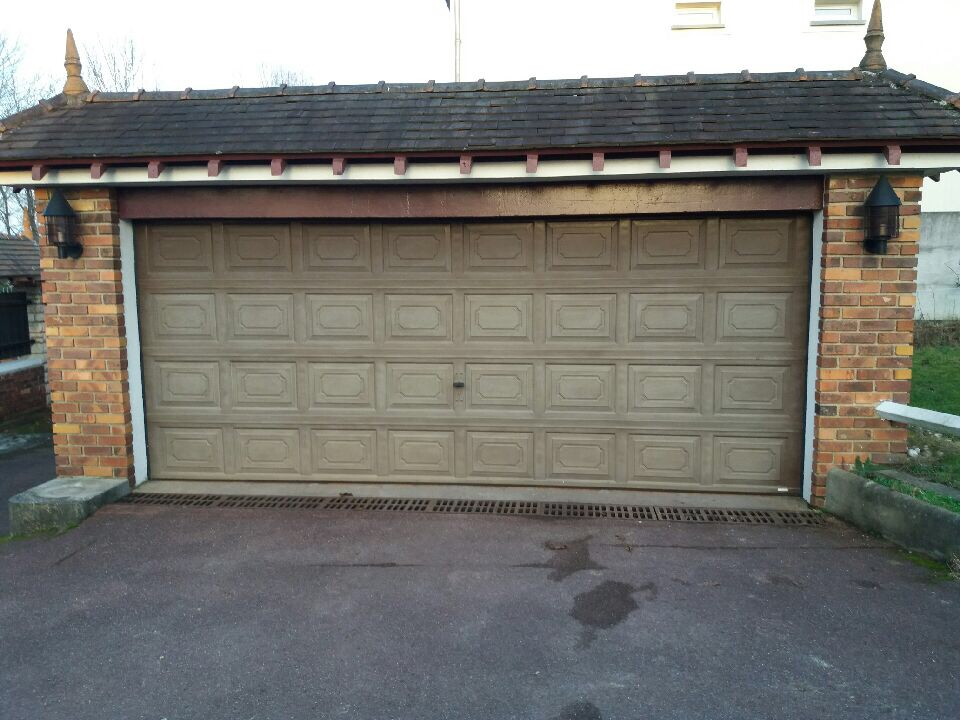 Monter une porte de garage free monter une porte de for Comment poser une porte de garage