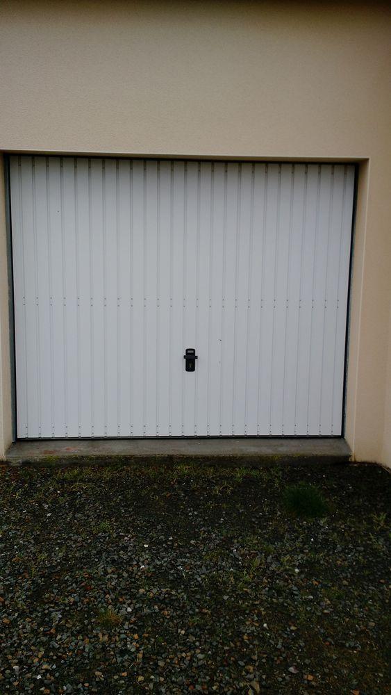 portes de garage occasion en bretagne annonces achat et vente de portes de garage paruvendu. Black Bedroom Furniture Sets. Home Design Ideas