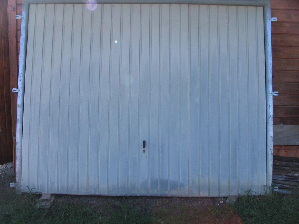 porte de garage basculante . 100 Verdille (16)