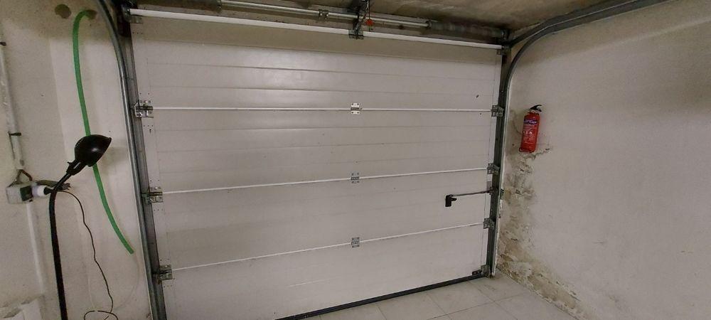 Porte de Garage Blanc Motorisé 650 Voisins-le-Bretonneux (78)