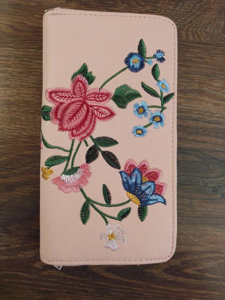 Porte monnaie / portefeuille rose fleurie TBE 10 Aurillac (15)