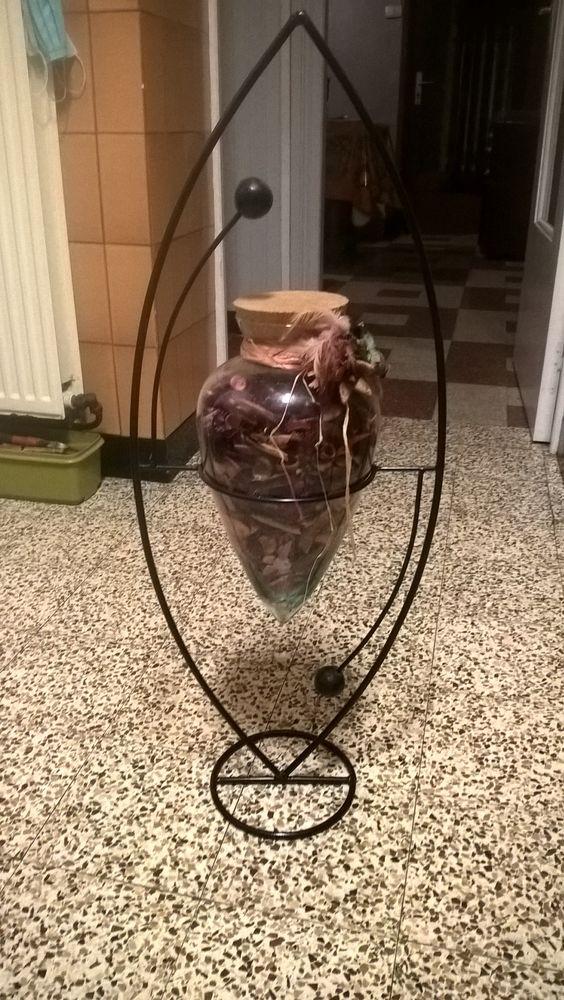 Porte-plante fer forgé +  pot pourri . 12 Flers-en-Escrebieux (59)