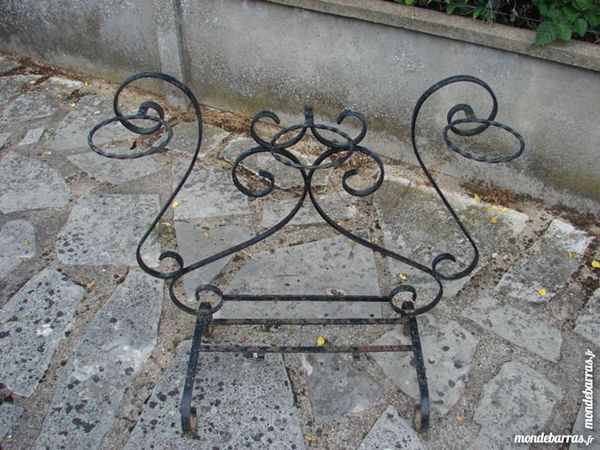 porte pots en fer forgé noir 13 Chartres (28)