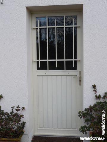 Porte de service et fenêtres 1 Panazol (87)