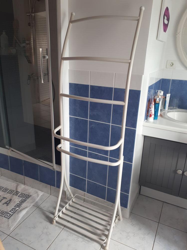 porte serviette de bain en métal blanc 15 Vertou (44)