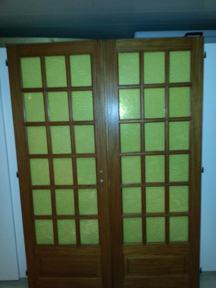 Porte vitrée double pour salon 30 Burdignin (74)