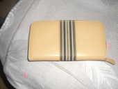 PORTEFEUILLE simili cuir quasi neuf pleins de compartiments 2 Lyon 5 (69)