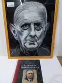 Portrait + livre Charles DE GAULLE 25 Toulouse (31)