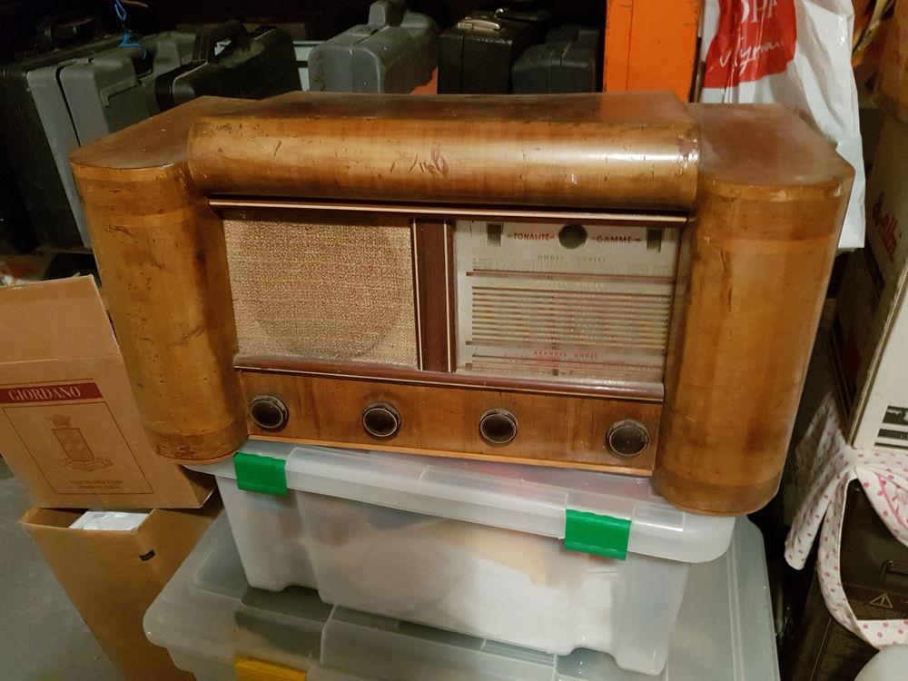 POSTE DE RADIO ANCIEN 45 Vitry-sur-Seine (94)