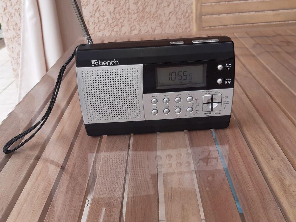 Poste radio multifréquences 45 Bérat (31)