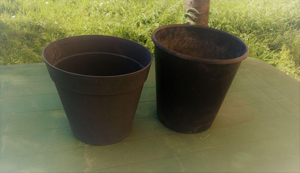 2 Pots de fleurs   5 Toulouse (31)