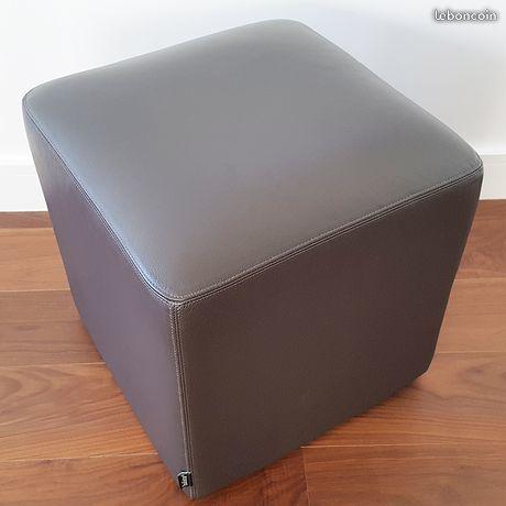 Pouf design cubique HABITAT. 43.5 cm. Etat NEUF 40 Gujan-Mestras (33)