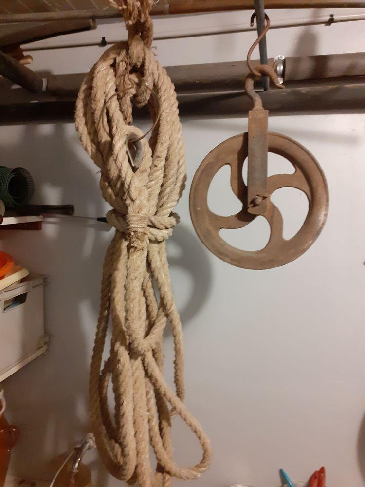 Poulie de puis avec corde  0 Sucy-en-Brie (94)