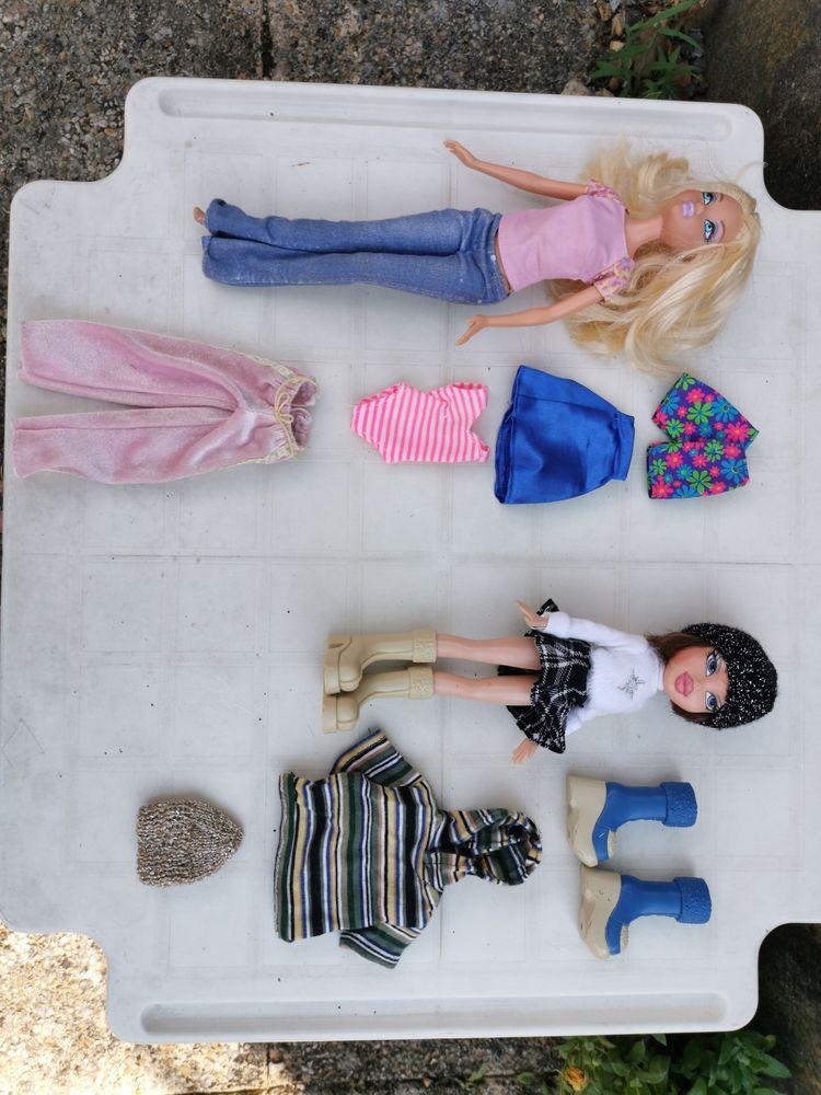 poupée BARBIE  de collection  + vétements  30 Mantes-la-Jolie (78)