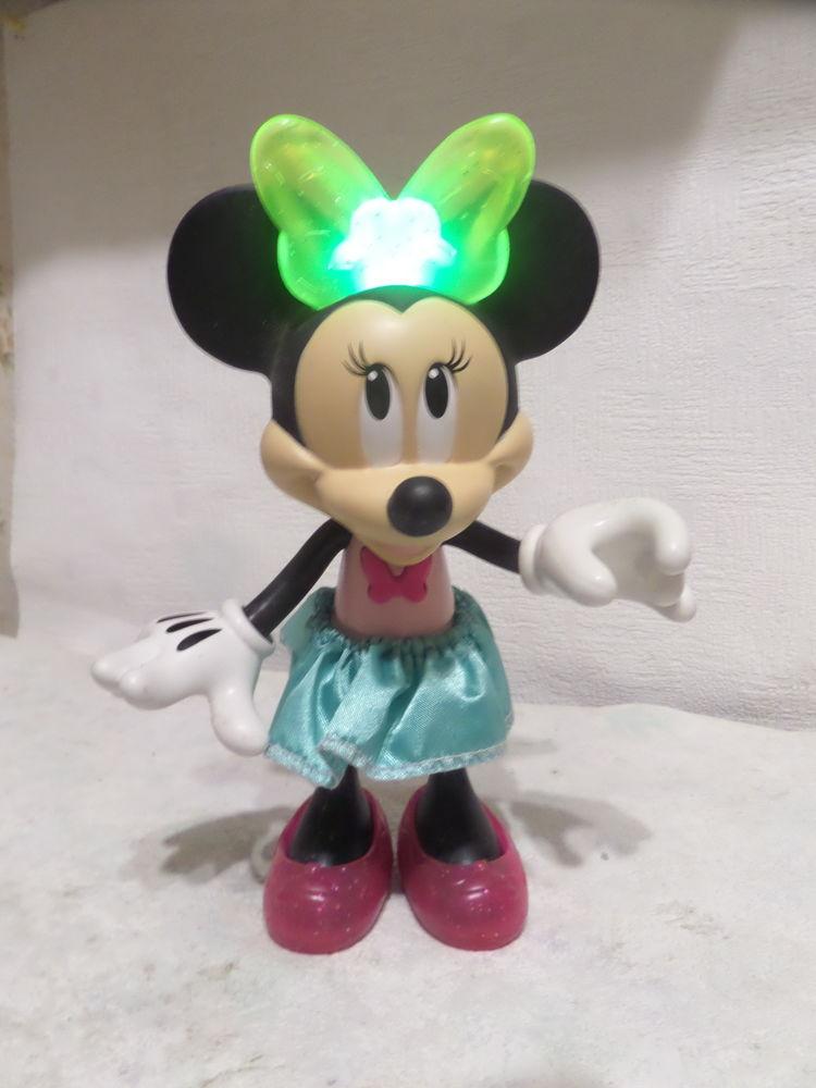 poupée disney  minnie mouse 15 Lyon 8 (69)