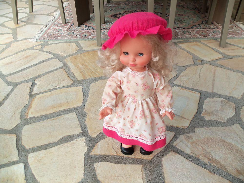 poupée qui marche 20 Saint-Georges-de-Mons (63)
