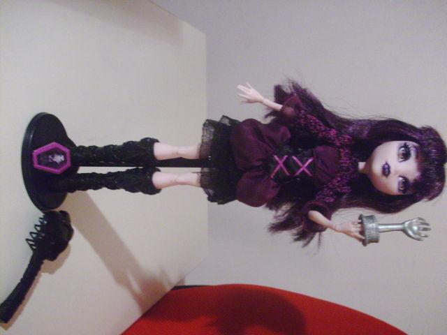 poupée monster high elisabat 28 Beaurepaire (38)