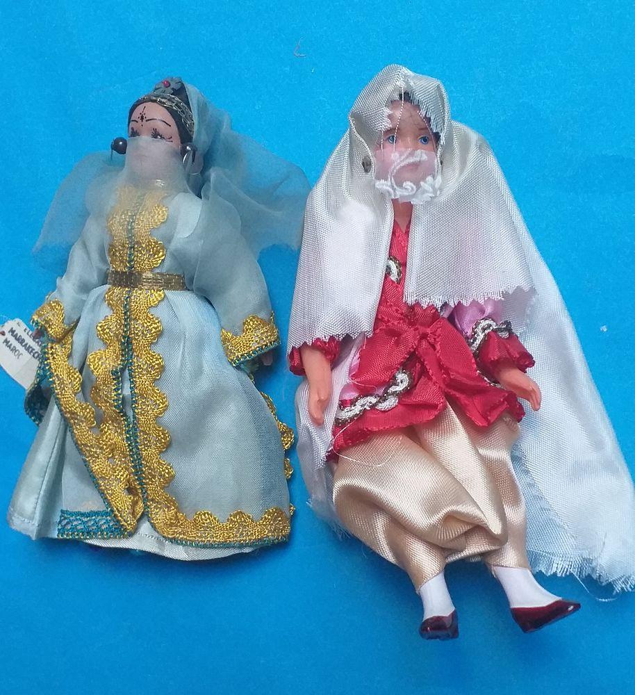 2 poupées folkloriques orientales dont une du Maroc avec étiquette 7 Montauban (82)