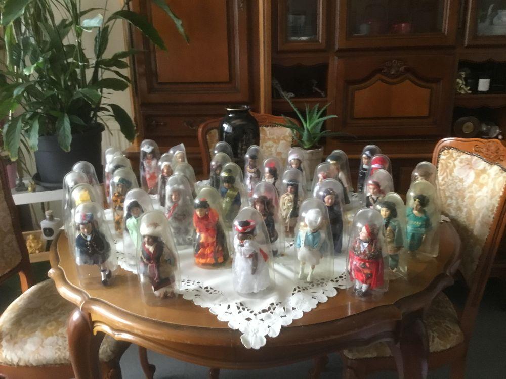 34 poupées du monde de collection 200 Poissy (78)