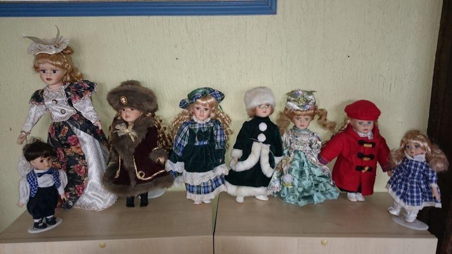 lot de 8 poupées de porcelaine ancienne 60 Saint-Pôtan (22)