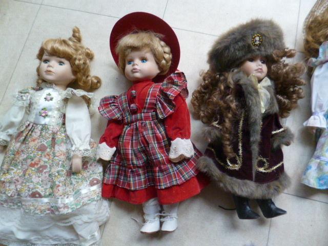 poupées en porcelaine de tailles diverses  2 Martigues (13)