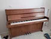 pour depart en maison de retraite un piano droit. 200 Cannes La Bocca (06)