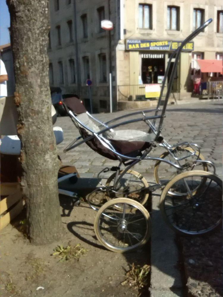 Poussette des années 69 40 Saint-Étienne (42)