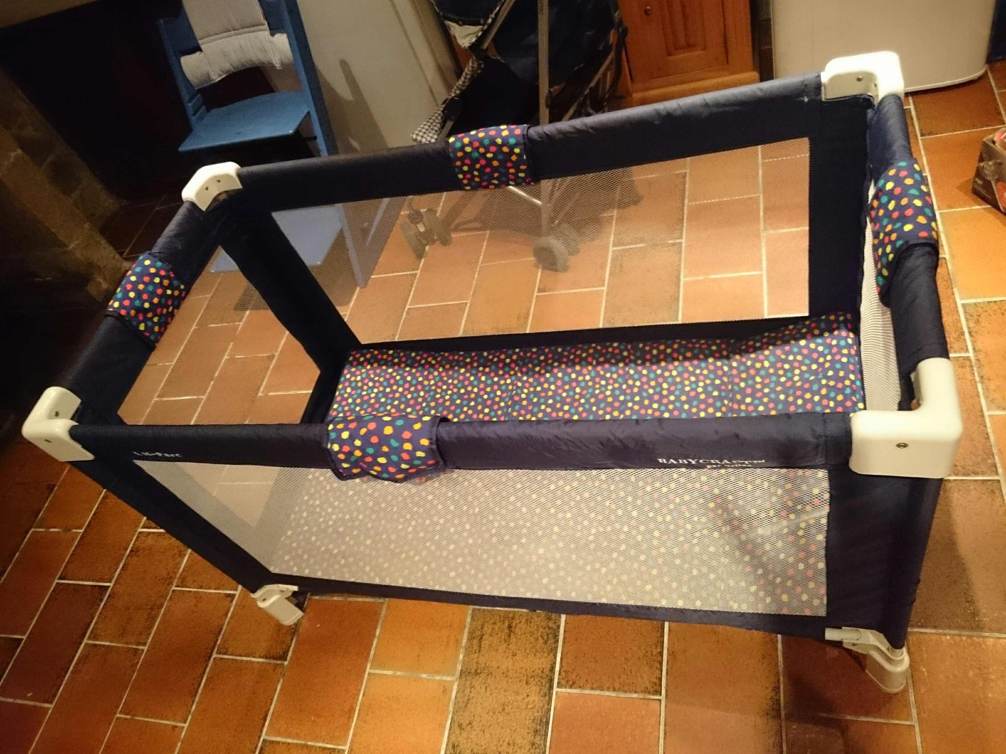 chaises enfants occasion annonces achat et vente de chaises enfants paruvendu mondebarras page 8. Black Bedroom Furniture Sets. Home Design Ideas