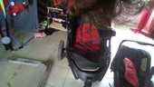 poussette 3 en 1 rouge et noire 3 roue plus nacelle et cosy 60 Aizenay (85)