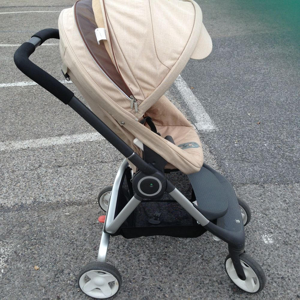 poussette stokke scoot beige 250 Antibes (06)