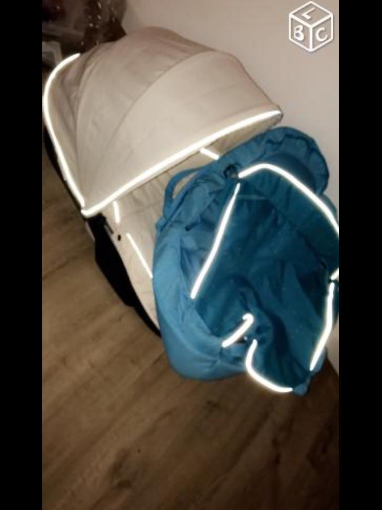 poussettes occasion dans les bouches du rh ne 13 annonces achat et vente de poussettes. Black Bedroom Furniture Sets. Home Design Ideas