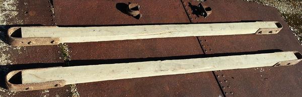 2 poutrelles en chêne avec 4 ferrures vissables 59 Saint-Clair-sur-Galaure (38)