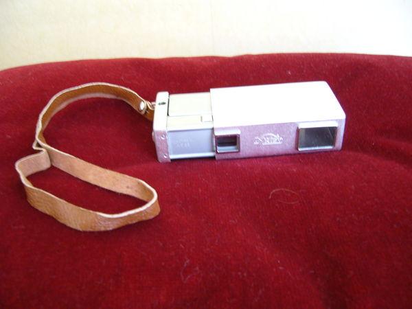 un des premiers appareils photo poche 120 Paris 18 (75)
