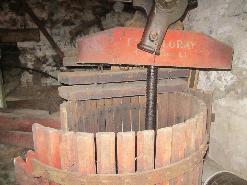 Pressoir à pommes ou raisins.  200 Saint-Colomban (44)