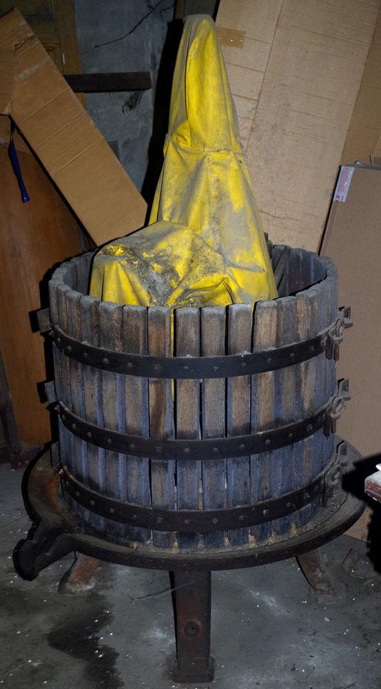 Pressoir à vin 600 Ollioules (83)