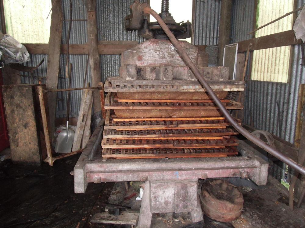 Produit fermier jus de pommes  cidre  1 Pluherlin (56)