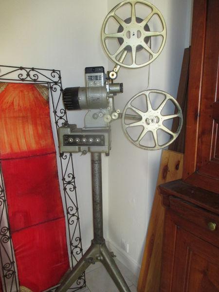 projecteur cinéma ancien 1100 Bourg-lès-Valence (26)