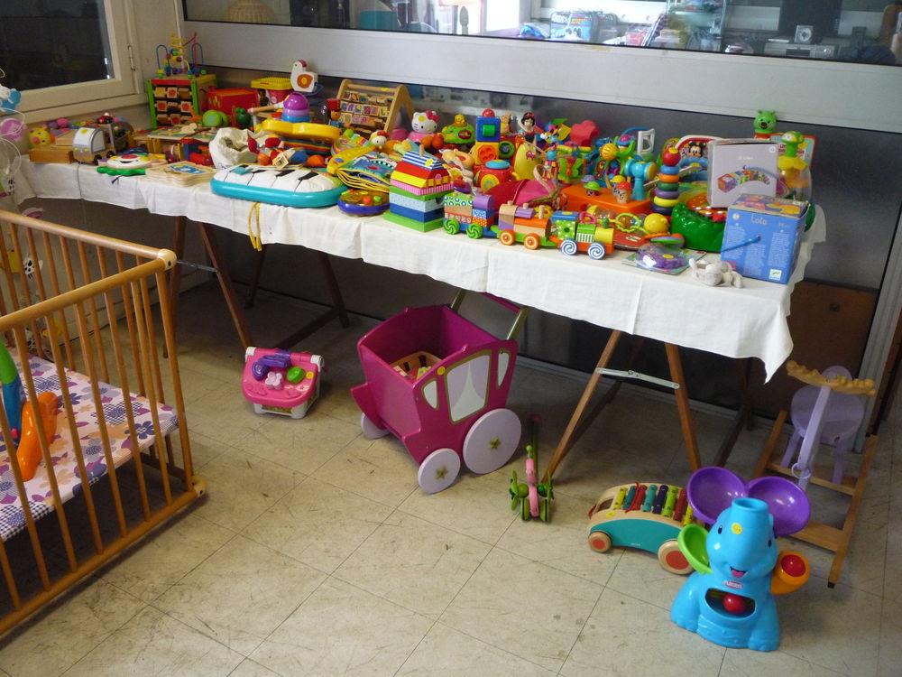 Puériculture/vêtement enfant/bébé/lit/parc/chambre/armoire 0 Graulhet (81)