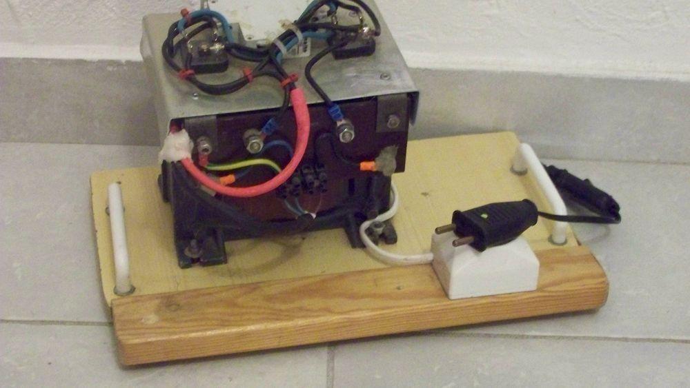 PUISSANT TRANSFORMATEUR AC 220 volts ? DC 27 volts Bricolage