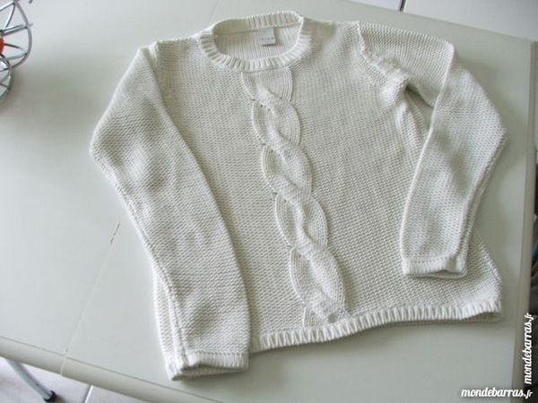 Pull  blanc taille M 6 Nantes (44)