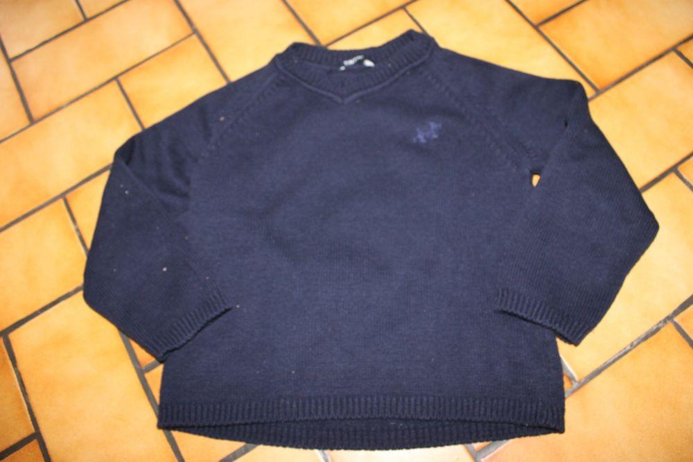 Pull bleu marine milou 6 ans 25 Wervicq-Sud (59)