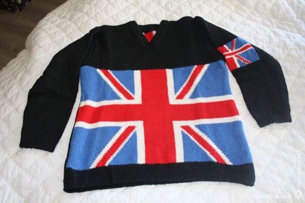 Pull drapeau anglais neuf fait mains 35 La Verdière (83)