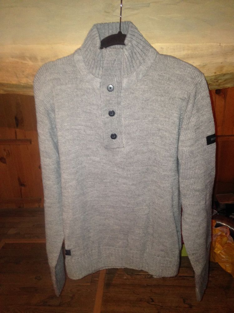 pull homme 12 Issoire (63)