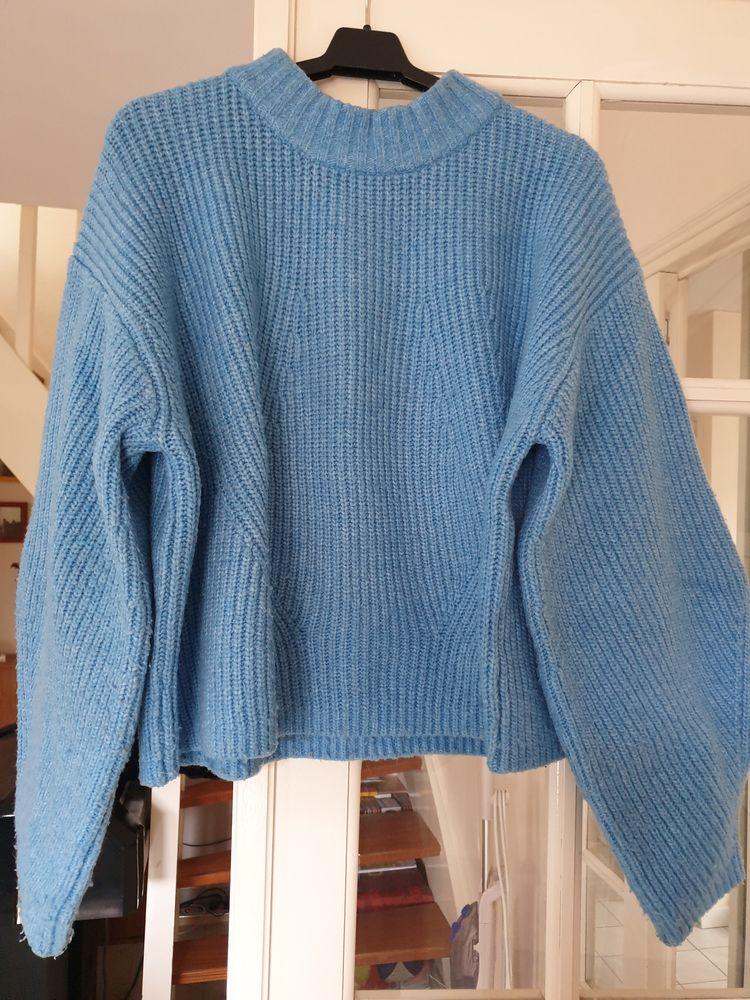 Pull en maille côtelée, ample, bleu, H&M, taille 2 (36-38)  5 Voisins-le-Bretonneux (78)