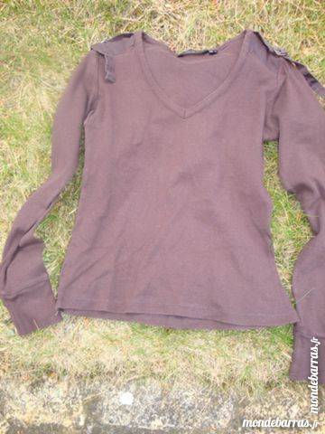 Pull à manches longues  marque MNG 4 Nimes (30)