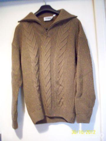 Pull marron chiné pour homme 15 Goussainville (95)
